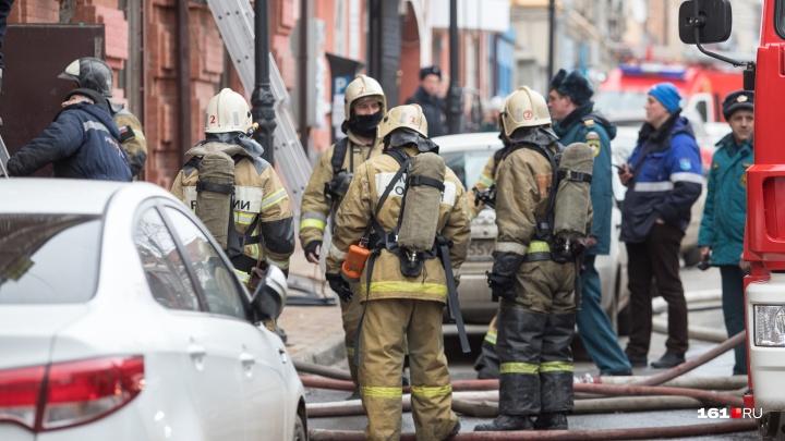 В ночном пожаре в волгодонской многоэтажке погибли два человека