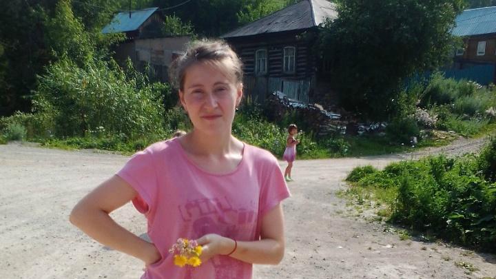 Ушли за ягодами и пропали: волонтеры из Башкирии ищут 7-летнюю девочку и ее тетю
