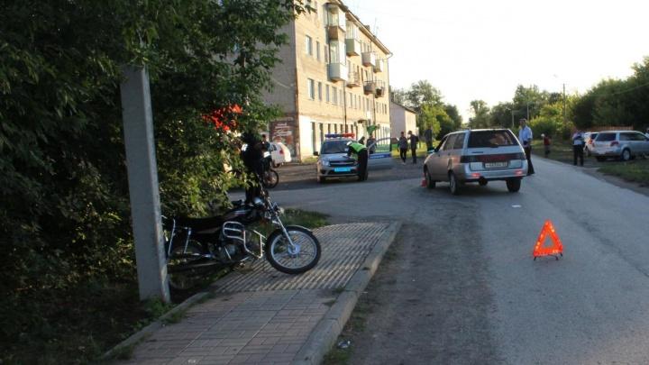 «Лада» столкнула мопед в столб: стали известны подробности ДТП с погибшим подростком