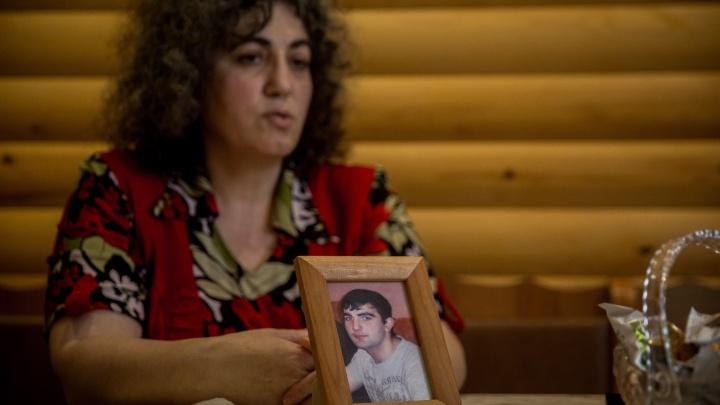 Надежда сводит с ума: три истории матерей, дети которых пропали без вести много лет назад