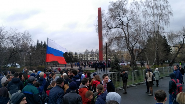 Несанкционированный митинг сторонников Навального в Красноярске закончился задержаниями