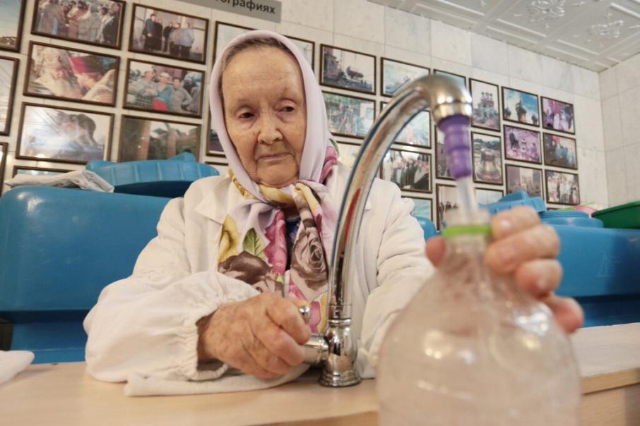 Для верующих Челябинска подготовили более 10 тонн святой воды