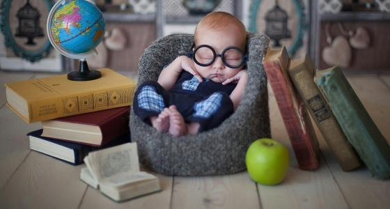 Бизнес в декрете: екатеринбурженка бросила работу в налоговой, чтобы одевать малышей для фотосессий