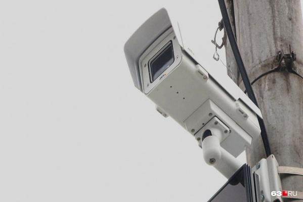Момент выезда за стоп-линию попал на камеры фиксации нарушений ПДД
