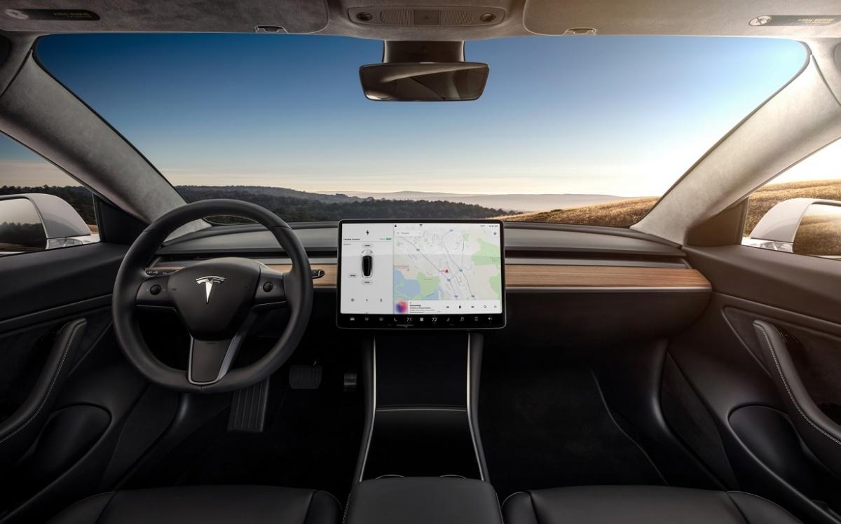 Tesla запускает линейку общедоступных электромобилей сновой моделью Model 3
