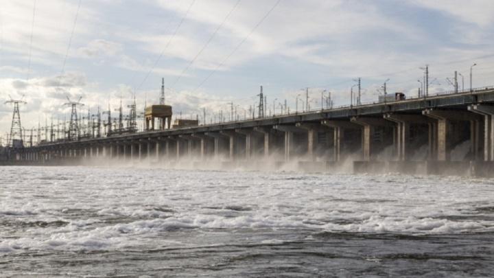 «Капитализм готов на любые преступления»: Волжская ГЭС снизила сэкономленные весной сбросы воды