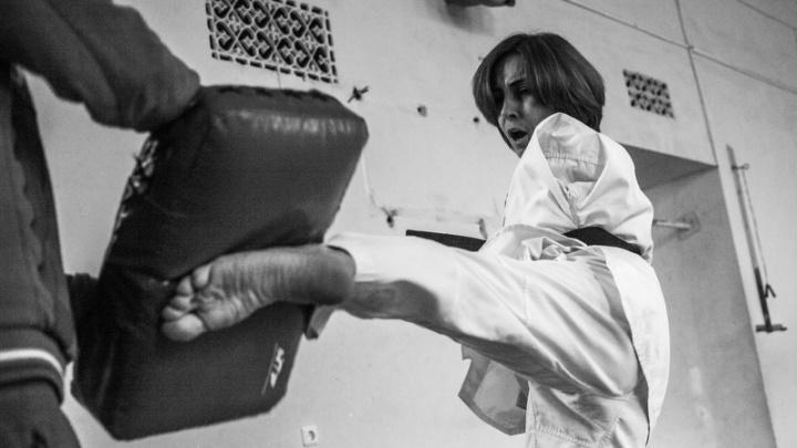 Уралец сделал фотопроект о сильной духом осетинке, родившейся без рук: показываем его