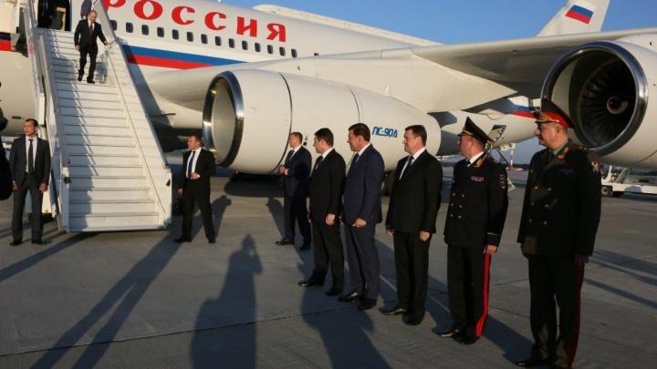 """За день до """"Иннопрома"""": Путин выступил в """"Космосе"""", посмотрел хоккейную арену и поболтал с Куйвашевым"""
