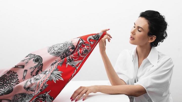 «Авторитетные партнеры вышли на нас сами»: платки уральского дизайнера начали продавать в Кремле
