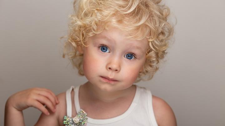 «Такой я увидела ее во сне»: белокурая девочка из Жирновска завоевала титул самой красивой в России