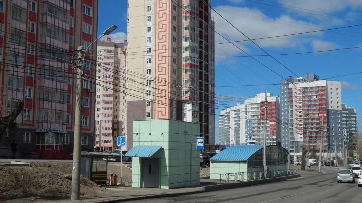 Красноярцы игнорируют подземный пешеходный переход и автобусную остановку на Киренского