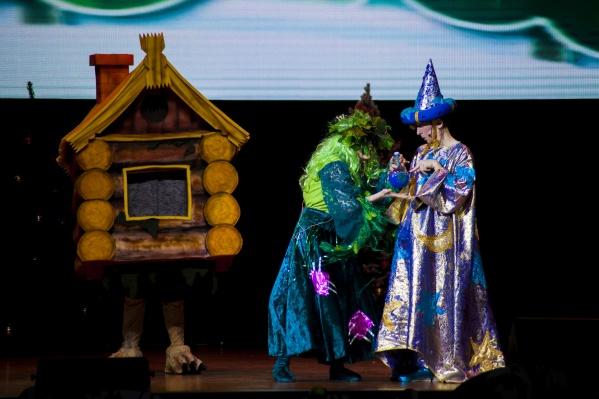 Это волшебная добрая сказка, действие которой разворачивается под куполом цирка