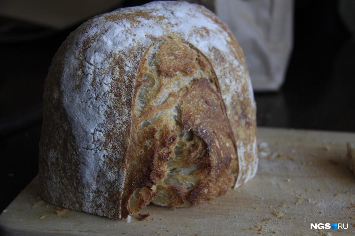 Хлеб ручной работы, для приготовления которого нужны почти сутки (с момента замешивания теста)