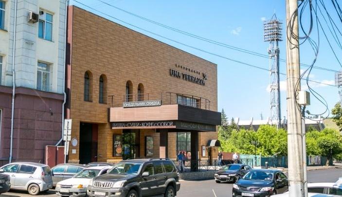 Здание бывшего кинотеатра «Пикра» сдают в аренду на месяц по цене студии на окраине