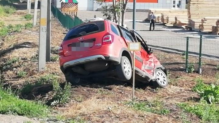 Выехал на красный: в Башкирии столкнулись два автомобиля