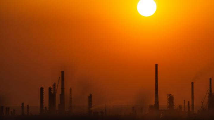 Омичи снова жаловались на химические запахи. В воздухе было зафиксировано превышение сероводорода