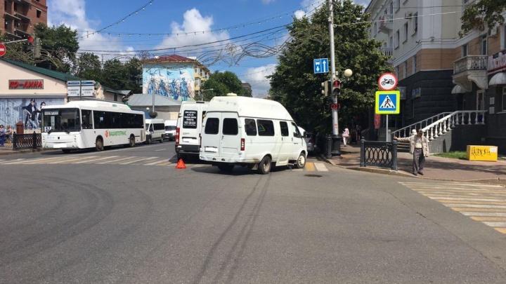 В Уфе столкнулись две маршрутки: пострадали два пассажира