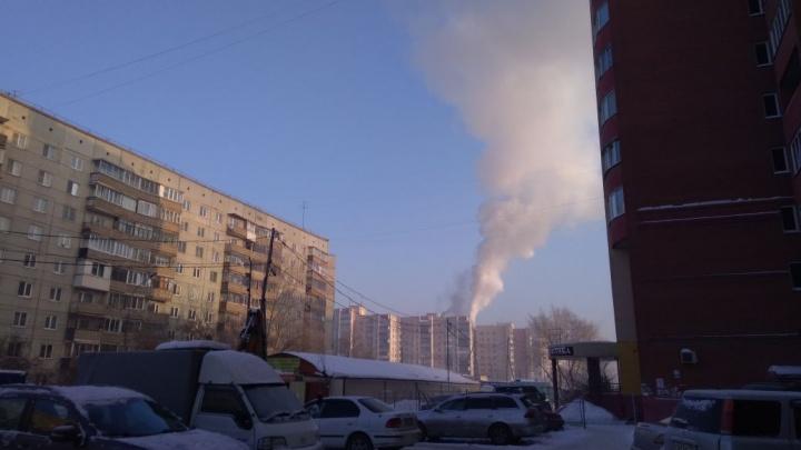 Пожарные спасли женщину и четырёхлетнего ребёнка из горящего дома в Ленинском районе