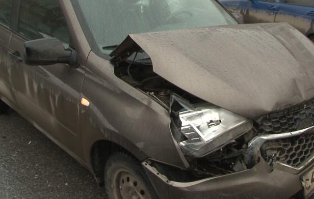Массовое ДТП в Уфе: в аварию попали пять иномарок
