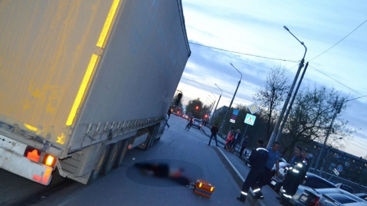 В Уфе под колеса фуры попал пешеход