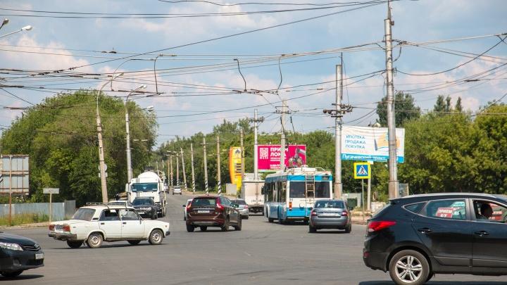 Денег меньше не станет: Азаров рассказал, зачем сокращать число рекламных щитов в Самаре