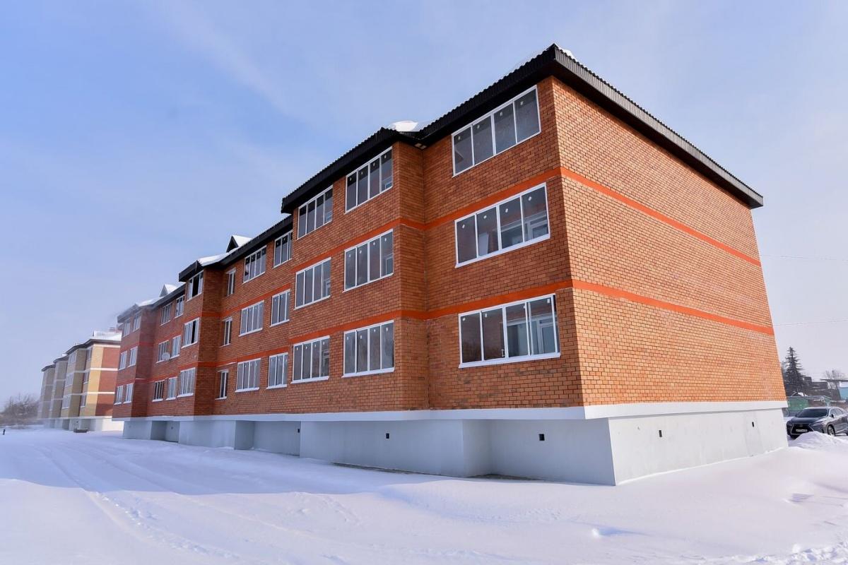 Кирпичные домики от 1,3 млн рублей: репортаж из нового микрорайона, где строят доступную малоэтажку