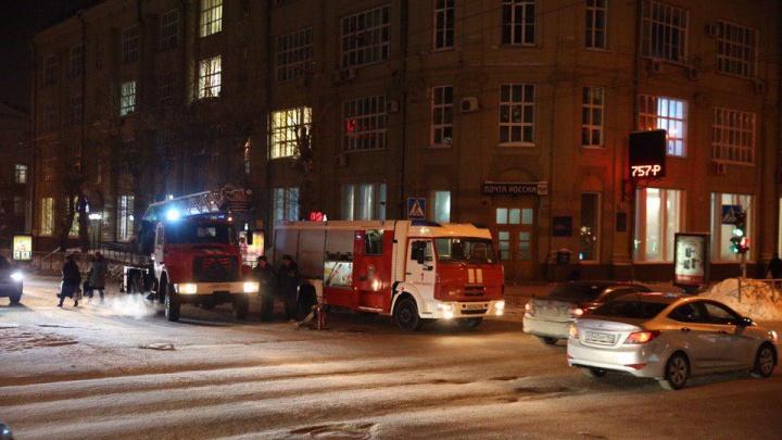 В бизнес-центре на улице Советской загорелся ресторан