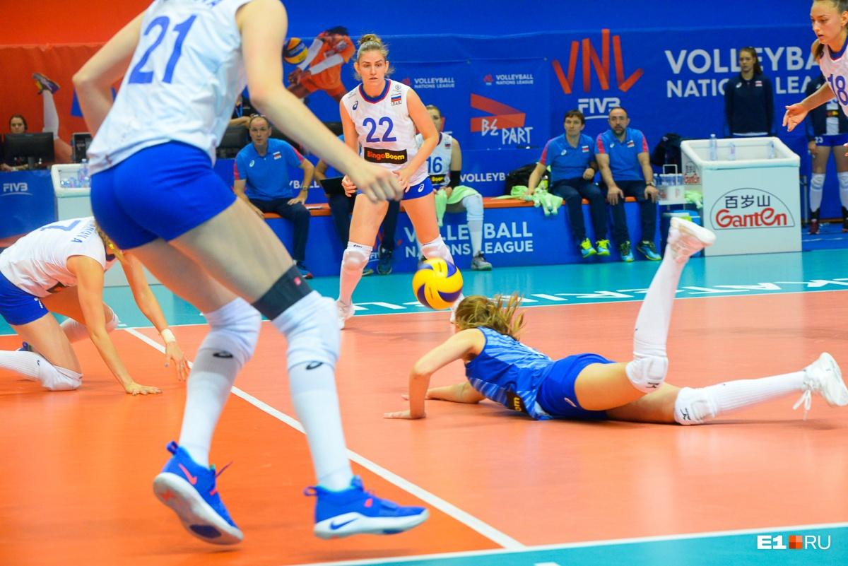 Российские волейболистки проиграли действующему победителю Лиги Наций — команде США