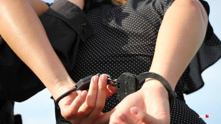 Мешал выпивать: женщина в Новодвинске созналась в убийстве возлюбленного
