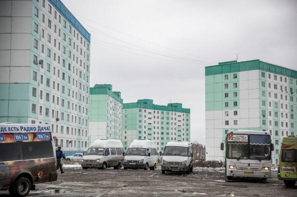 Новосибирский автобусный маршрут, идущий до улицы Татьяны Снежиной, попал на маршрутные табло в подмосковные автобусы