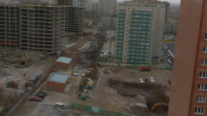 Вместо ещё одной парковки начали строить детский сад