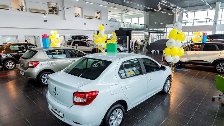 Lada Vesta перевалила за миллион: автопроизводители дружно переписали ценники