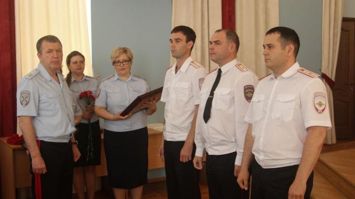 В Екатеринбурге наградили полицейских, которые раскрыли ритуальное убийство на Ганиной Яме