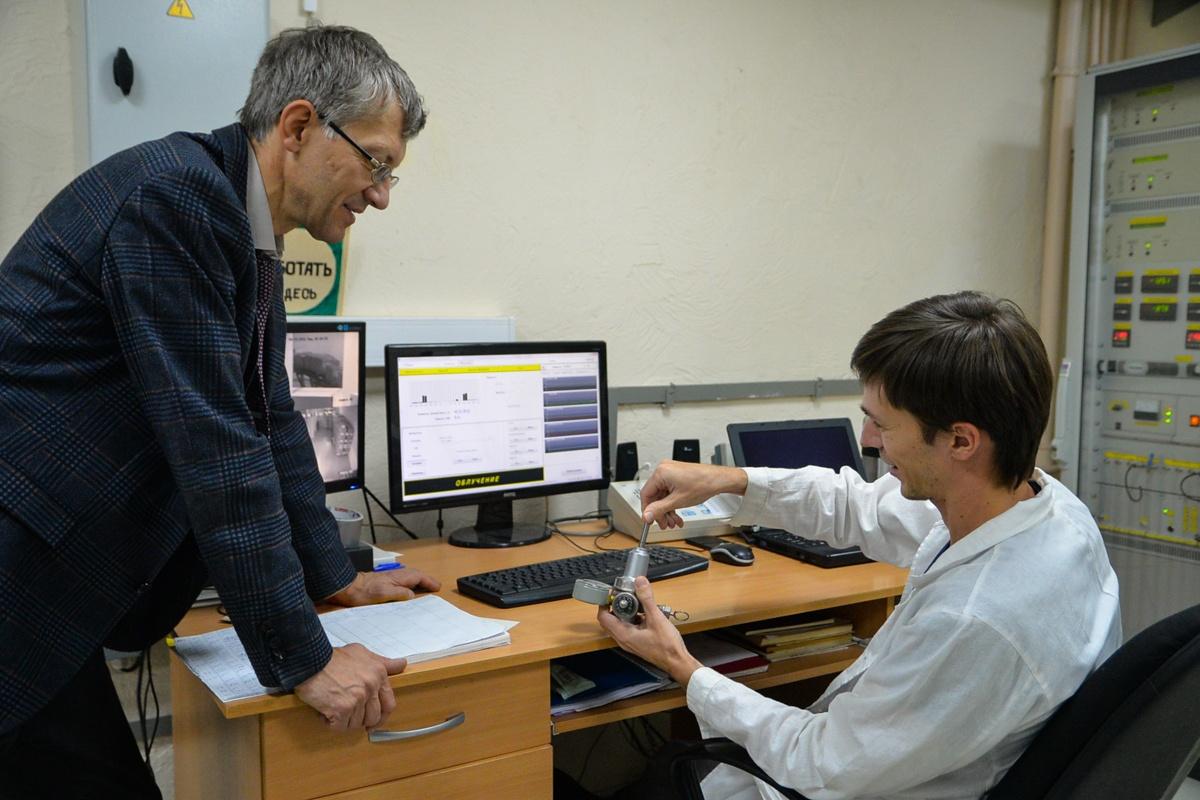 Физики умеют не только контролировать работу сложной системы, но заниматься ремонтом