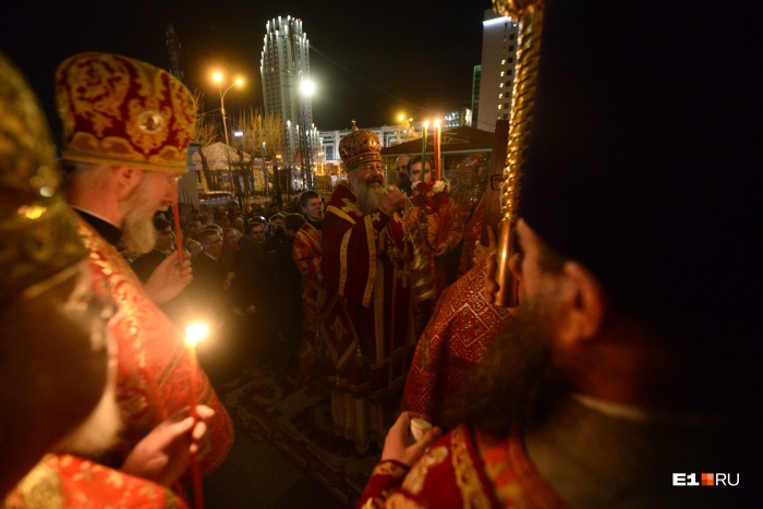 Богослужение возглавляетмитрополит Екатеринбургский и Верхотурский Кирилл