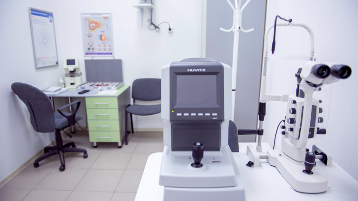 Бесплатная проверка зрения и подбор контактных линз: оптика возьмет заботу о зрении на себя