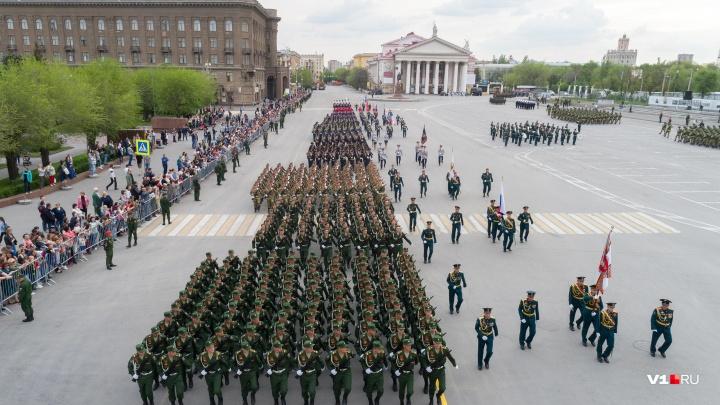 «Это какой-то маразм»: волгоградцы возмущены новой транспортной схемой на площади Павших Борцов