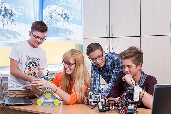 Ростовским школьникам помогут стать компьютерными «гениями» и выбрать будущую профессию