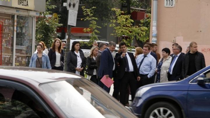 Построят вход в дендропарк и снесут клуб дзюдо: итоги 10-часового объезда мэра по Ленинскому району