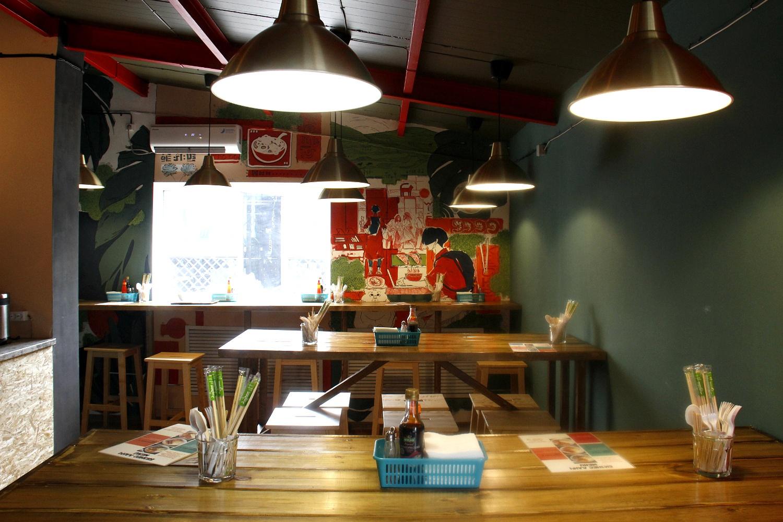 В новой закусочной Mr Pho Bo порядка 12 посадочных мест