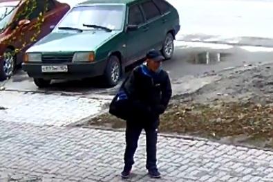 Видео: полиция объявила в розыск мужчину за преступление против ребёнка