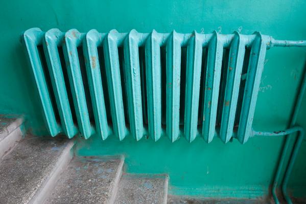 Поданного «Концессиями» тепла хватает только на первые этажи в подъездах