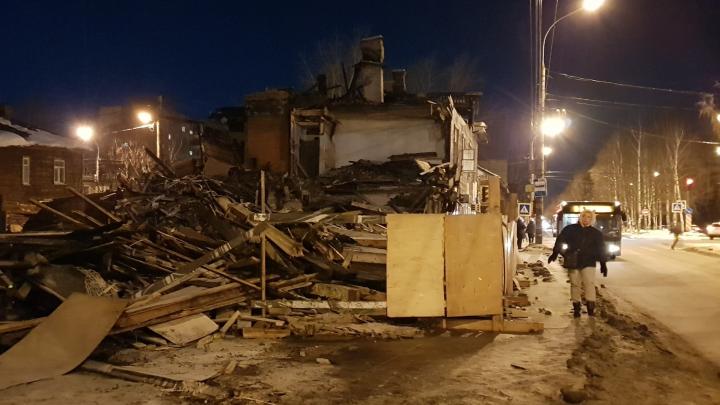 В Архангельске после публикации на 29.RU прокуратура вмешалась в работы по разбору сгоревшего дома