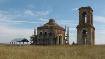 «Нотр-Дам де Пари убил огонь, их — безразличие»: в Волгоградской области разрушаются старинные храмы