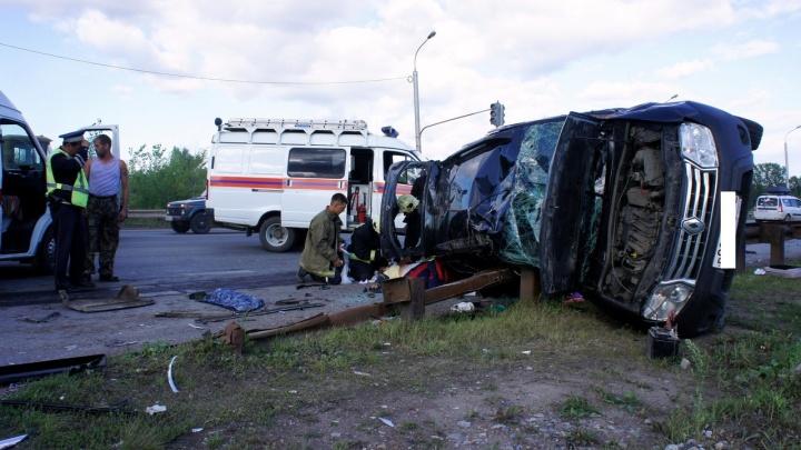 Один человек погиб, и пострадал трехлетний ребенок: подробности массовой аварии в Уфе