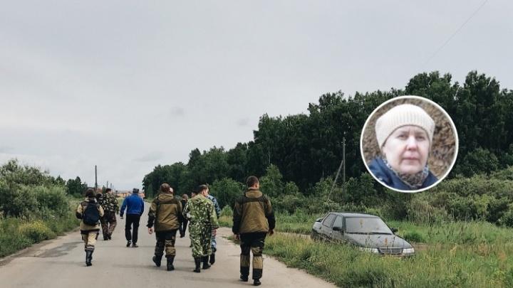 «Вышла из дома, села в такси и уехала в другой посёлок»: под Тюменью ищут 53-летнюю женщину