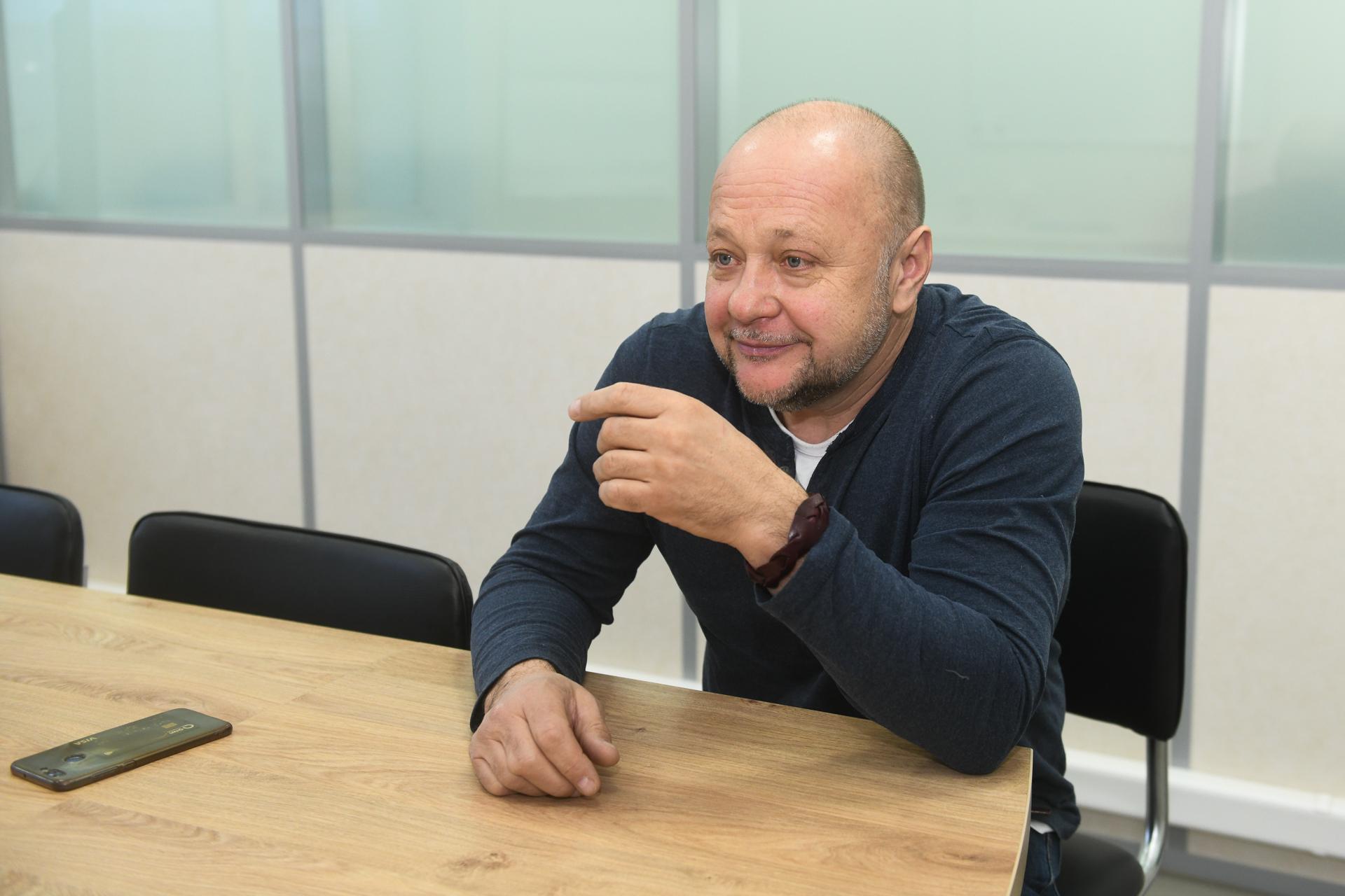 Михаил Луньков говорит, что врачам скорой платили исправно, но мало