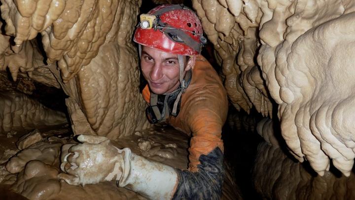 Екатеринбургские «охотники за подземельями» прошли одну из самых глубоких пещер Средней Азии