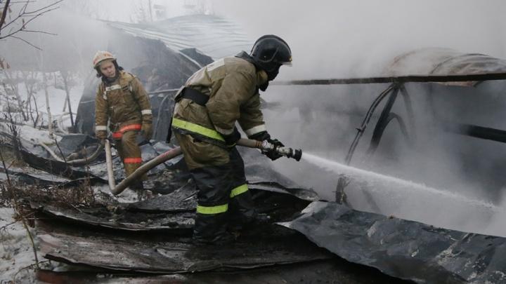 В горящем доме в Башкирии погибла женщина