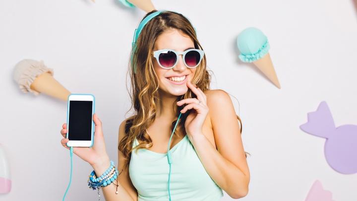 Любят потрогать: новосибирцы стали покупать приятные на ощупь чехлы для смартфонов